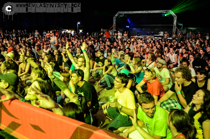 FESTIVAL ROCKFORCHURCH(IIL) 2012 ID: 6001