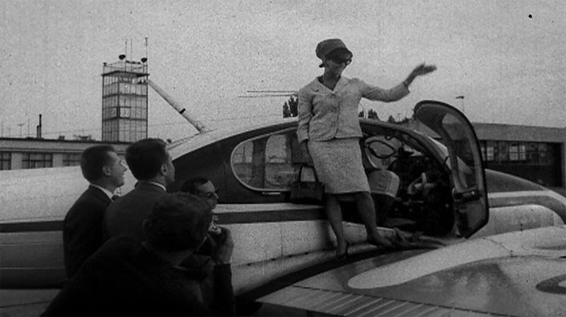 Claudia Cardinale pri priletu do KV 1964